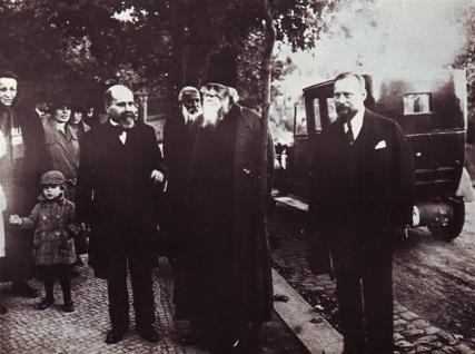 Moriz Winternitz with Rabindranath Tagore in Prague